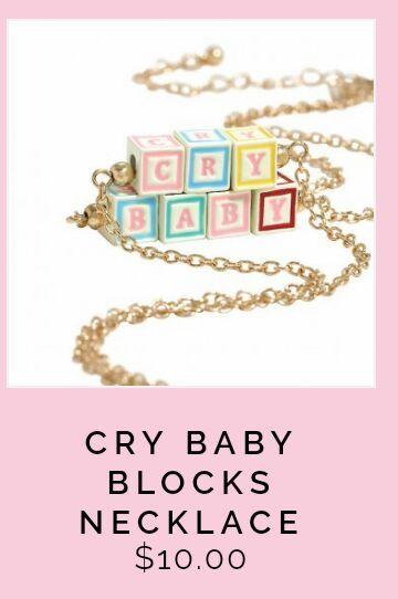 🍼¿Qué accesorios ofrece la tienda de Melanie?🍼   •Crybabies• Amino