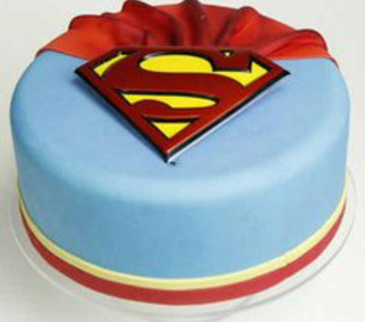 Super My Sisters Birthday Cake Shes Turning 9 Supergirl Amino Amino Funny Birthday Cards Online Elaedamsfinfo