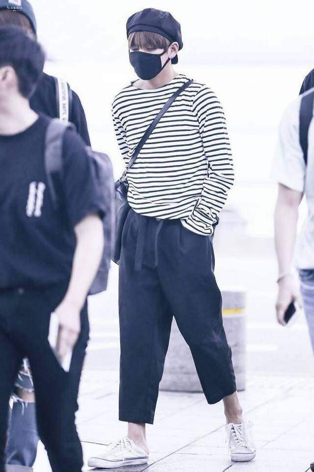 kim taehyung airport fashion  army's amino