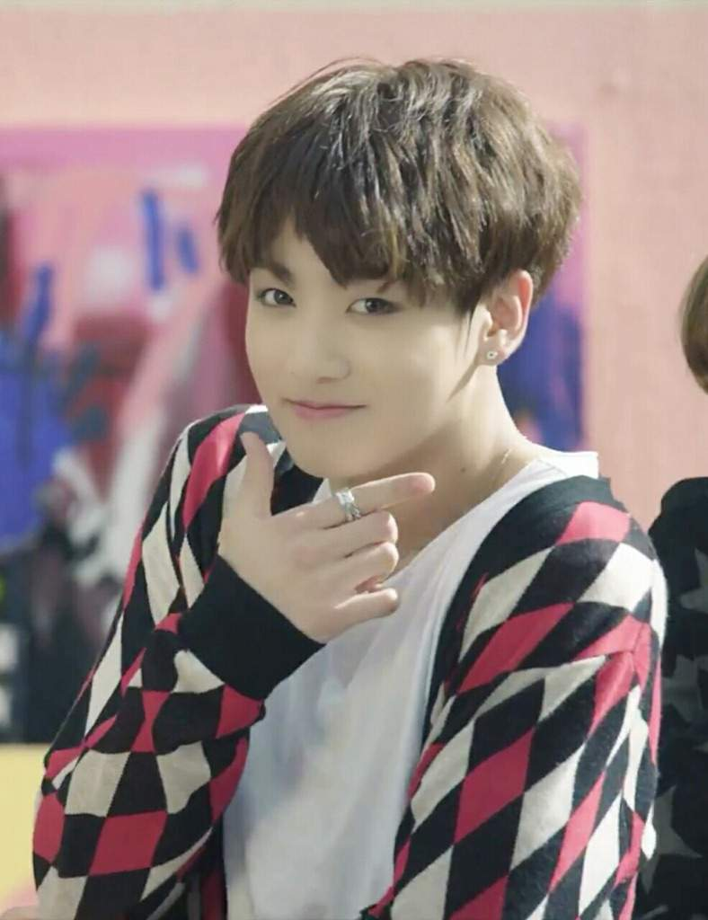 Even Though It Isnt Much Different From The Other Browns This Is My Favorite Hairstyle On Jungkook I Love Shade Of Brown Him And Find