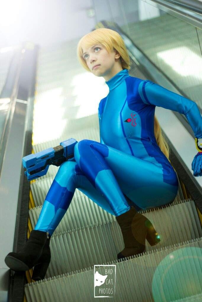 Zero suit samus nude cosplay