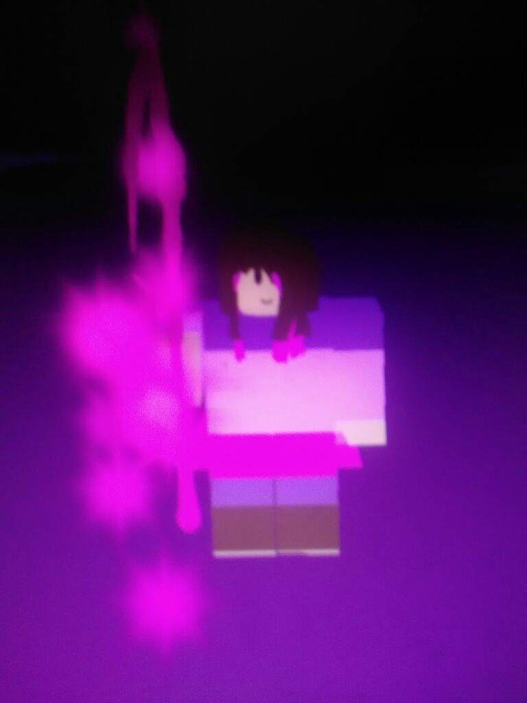 Me playing UNDERTALE Survive the monsters | Roblox Amino