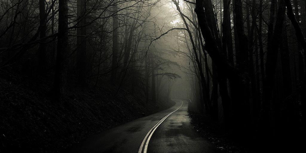 Resultado de imagen de carretera tenebrosa