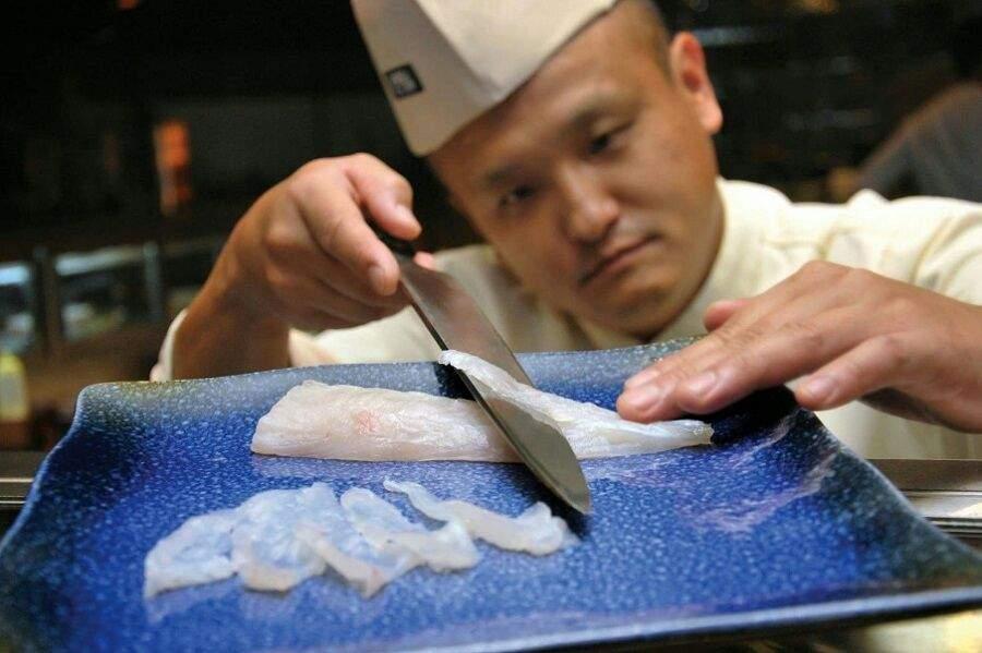 Resultado de imagen para chefs japoneses preparando fugu