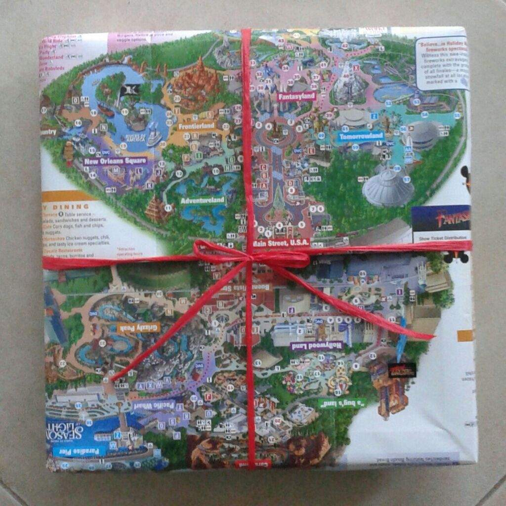 DIY Disneyland Map Wrapping Paper!   Disney Amino