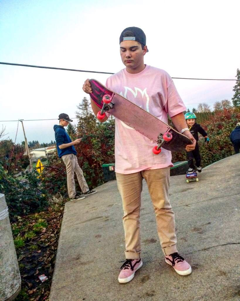 i want to be kyle walker i got his board shoes and wheels