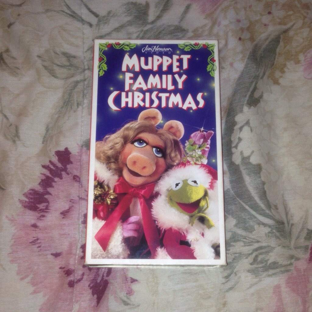 Muppet Family Christmas.A Muppet Family Christmas 1987 Review Disney Amino