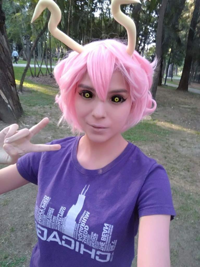 Mina Ashido Selfies 3 My Hero Academia Amino