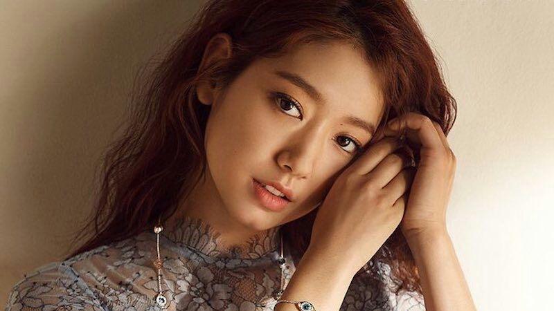 Park Shin Hye في محادثات لبطولة دراما ميلودرامية لكاتبة Romantic