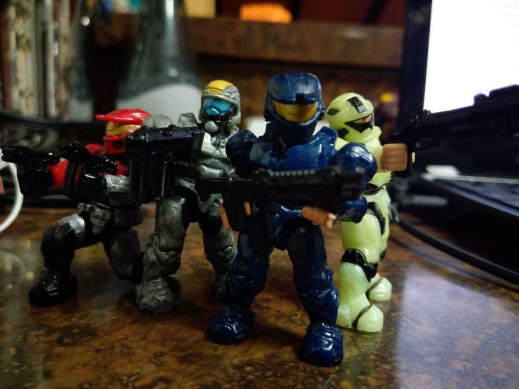 Here's some Mega Bloks Spartan Fireteam   Halo Amino