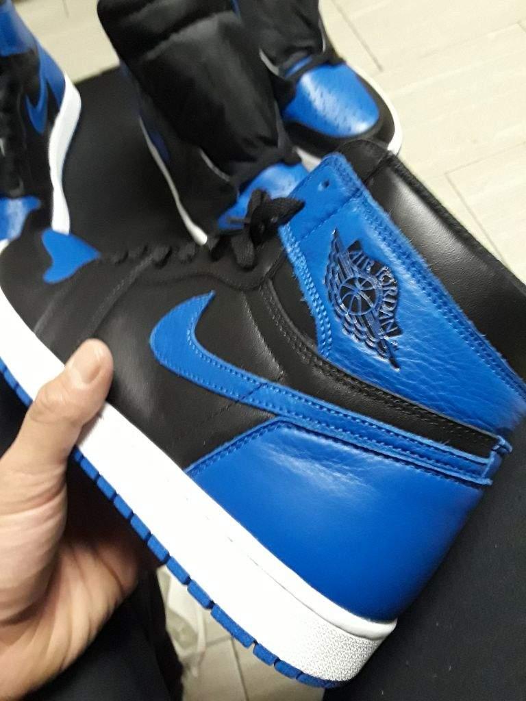 Air jordan 1 comparison, leather