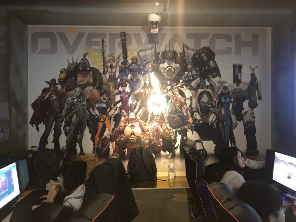 At an Overwatch PC cafe in Tokyo!   Overwatch Amino