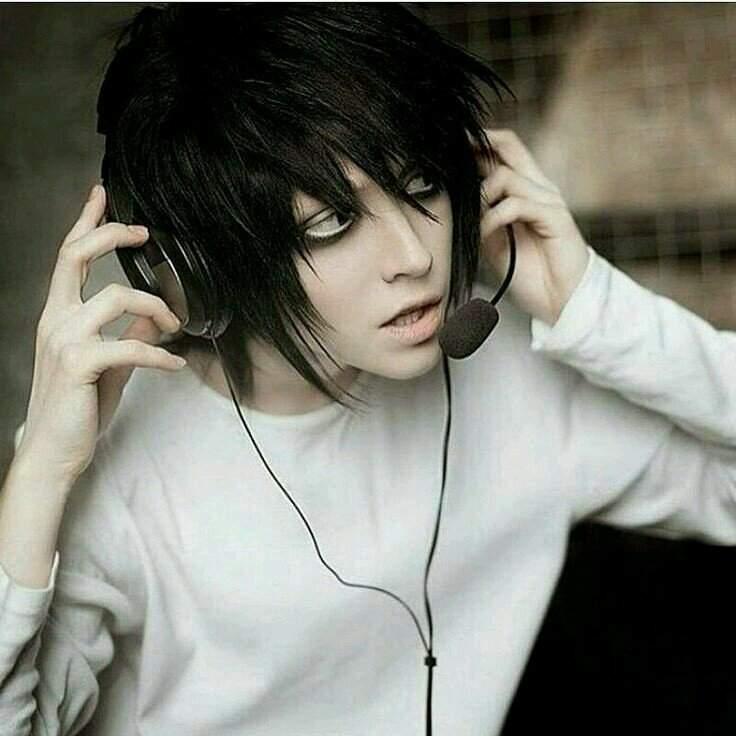 L cosplay | Death Note Amino