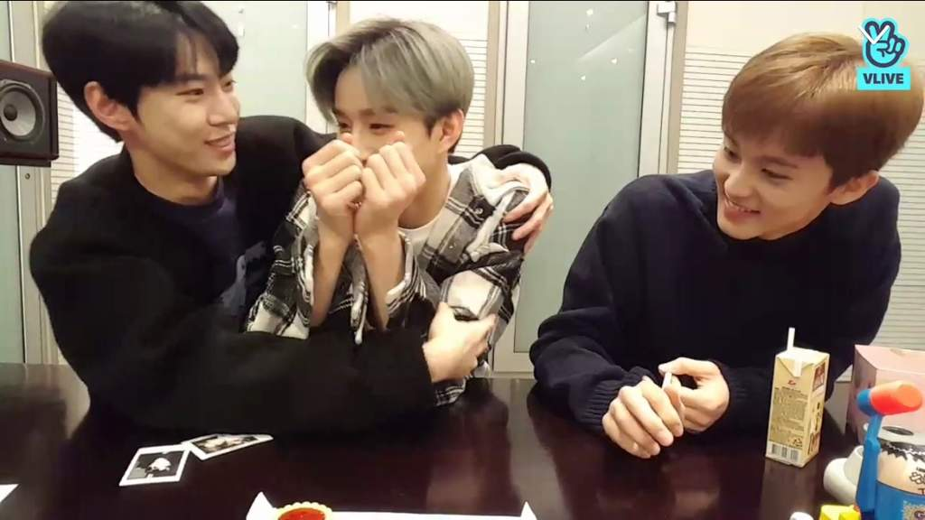 V Live Jungwoo Doyoung Mark   NCT (엔시티) Amino
