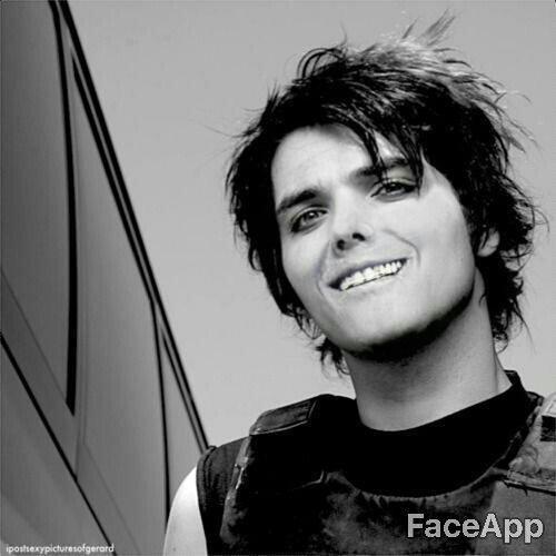 Gerard Way Hot