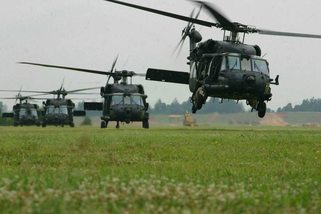 931e9e21d27 Sikorsky UH-60 Black Hawk | Wiki | Warfare Roleplay Amino