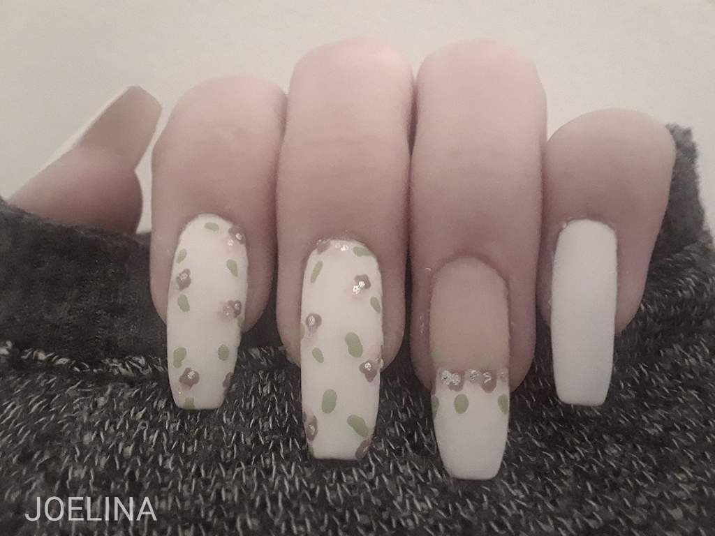 💐Matte Spring nails💐+toes and naked nails | Nail Art Amino