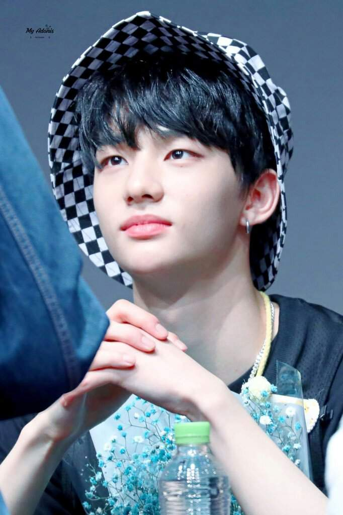 180401 Stray Kids Hyunjin Fansign Hd Picture ℍ𝕎𝔸ℕ𝔾 ℍ𝕐𝕌ℕ𝕁𝕀ℕ