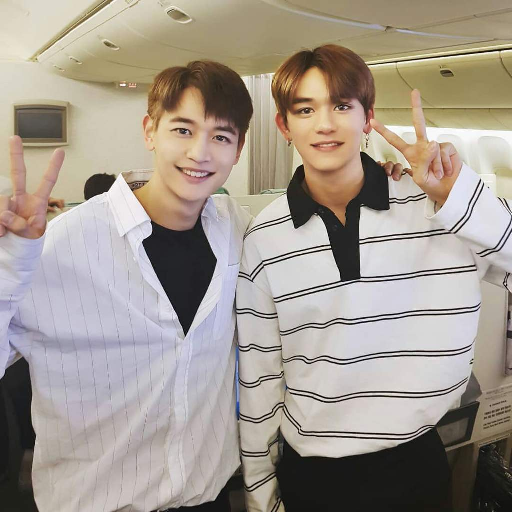 OFFICIAL] 180406 Smtown Instagram Update with LUCAS and SHINee Minho