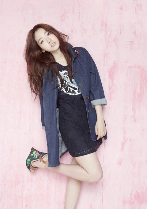 666ee76594b1427 Корейский стиль одежды для девушек | 《Ништяковые фанаты K-pop》 Amino