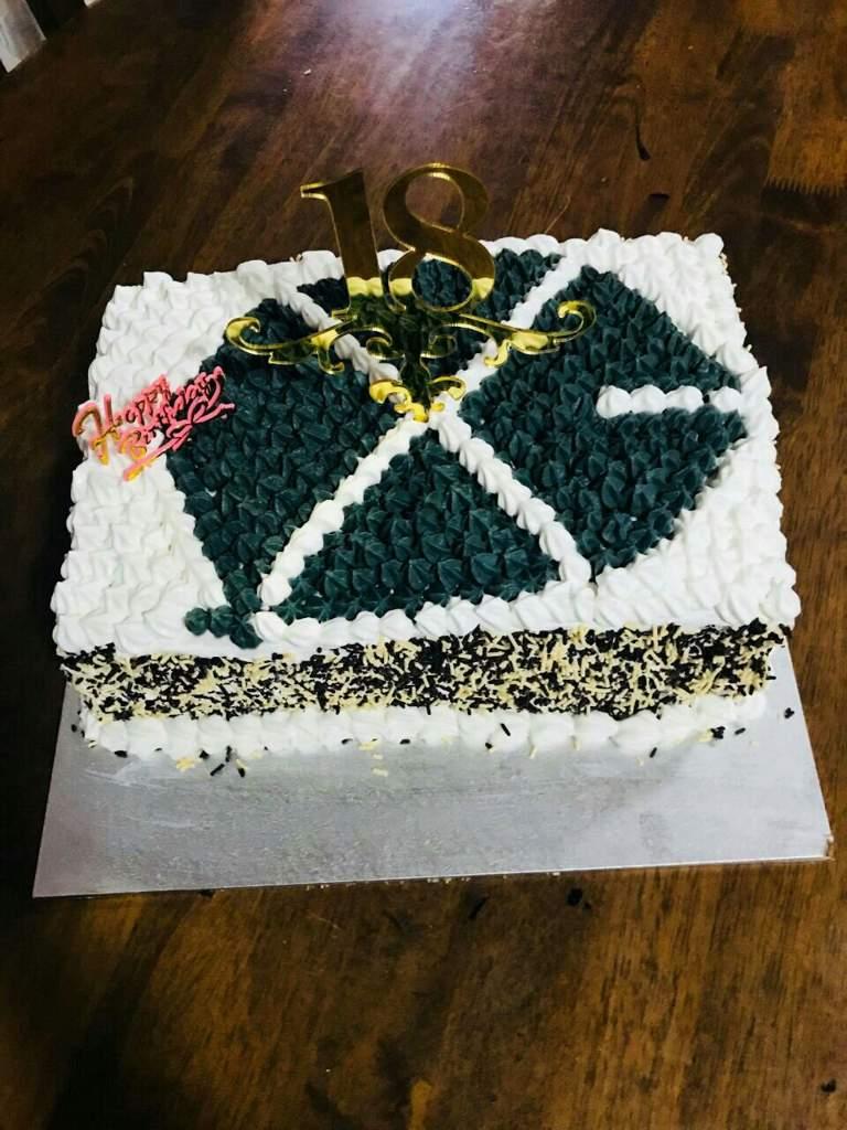Exo Cake For 6th Year Anniversary And My Birth2 Exo Ls Amino