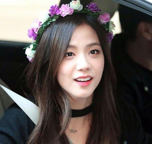 Gambar Image Kim Jisoo Leaving Inki O  Png Black Pink Wiki