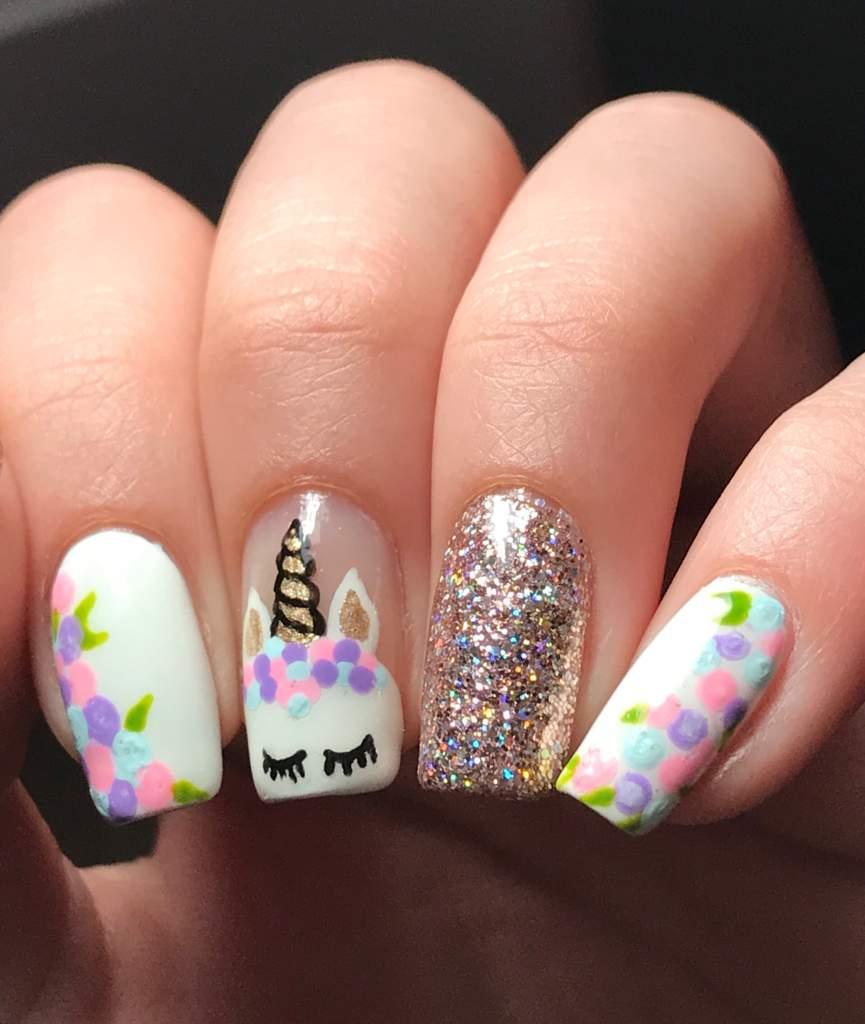 Unicorn Tipped Nail Art: Unicorn Nails! 🦄💅🏻💕