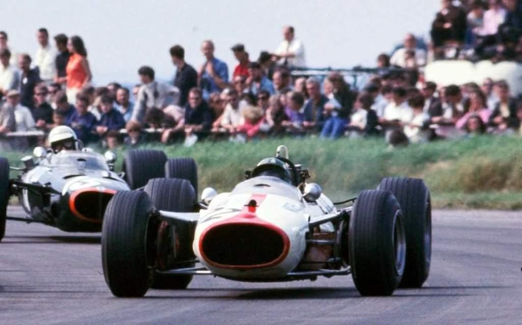 Silvio Moser Racing Team Background 10
