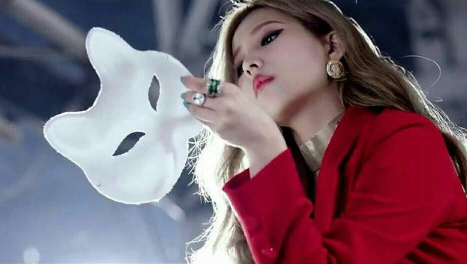Hasil gambar untuk Soyeon (G) I-DLE