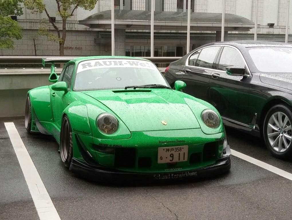 Rauh Welt Begriff Porsche 911 By Akira Nakai Seen In Japan Furry Amino