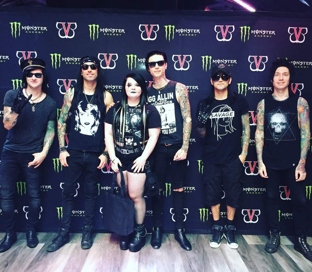 First concert pop punk amino i got to meet asking alexandria and black veil brides blessthefall opened followed by asking alexandria and then bvb best night ever m4hsunfo