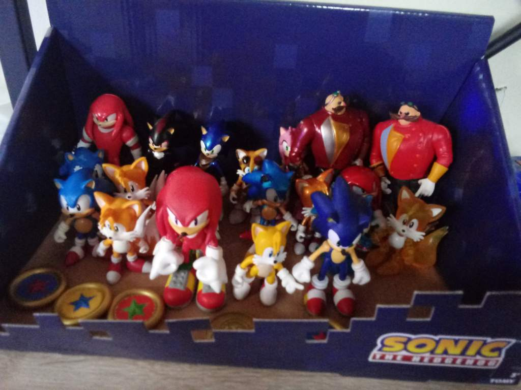 Does This Sonic Tomy Figure Set Up Look Good Sonic The Hedgehog Amino