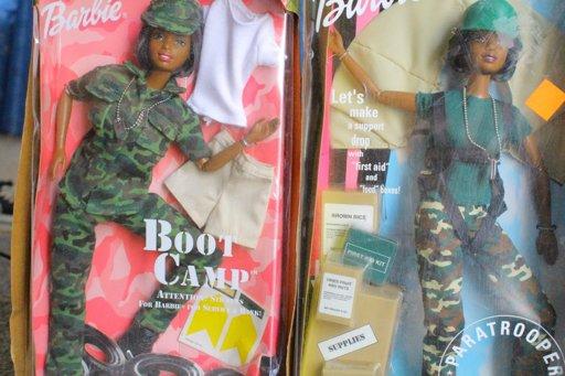 Spiksplinternieuw Barbie boot camp afro american | Toys Amino JM-53
