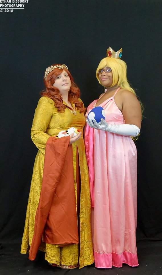 Daisy Stark And Princess Peach Mother Of Yoshi Cosplay Amino