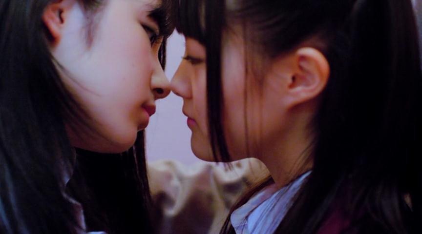 Star Wars Lesbian Kiss Evades China's Censors
