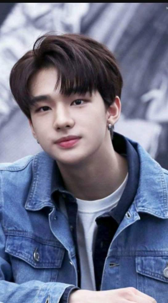 Hyunjin Stray Kids I Dont Have Much Images From The Past