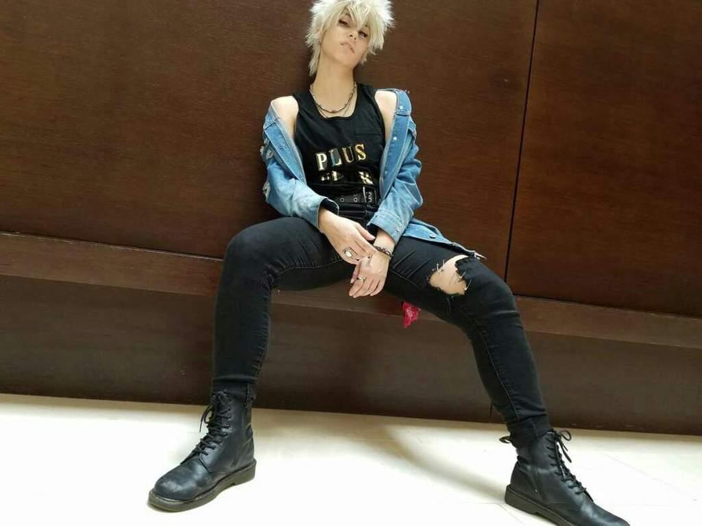 Edgy! Bakugou Katsuki at Anime Midwest | Cosplay Amino