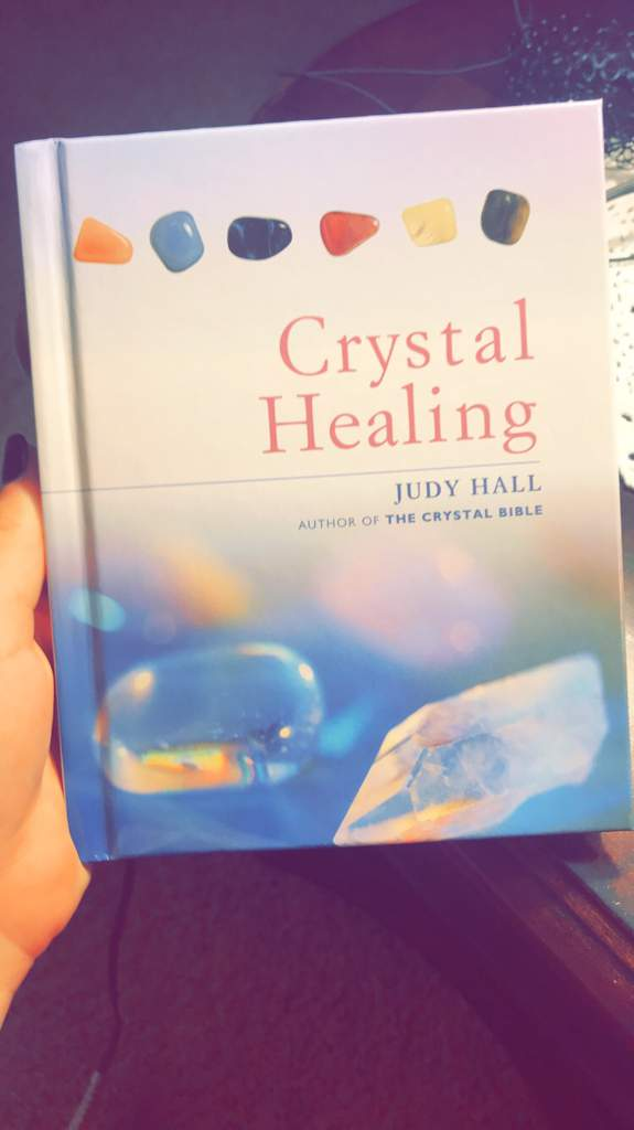 🌱🌑Crystal Books For Beginners!🌑🌱 | World of Magick⛥ Amino