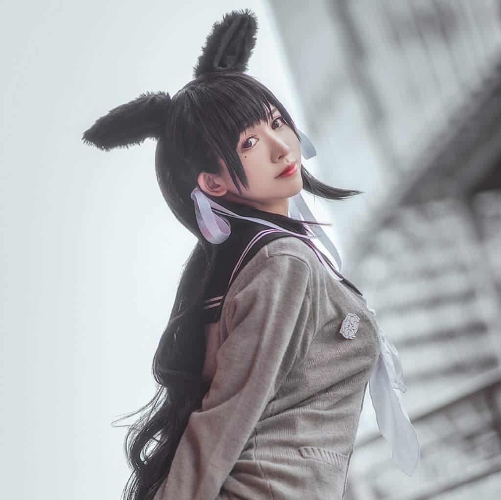 Atago from Azur Lane : cosplaygirls