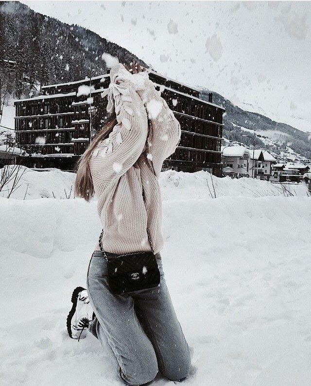 3b6324adda Si este invierno vas a la nieve definitivamente debes tomarte una de estas  fotos. Si sales a tomar un café puedes probar estas poses