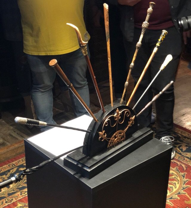 Crimes of grindelwald wand update harry potter amino for Grindelwald s wand