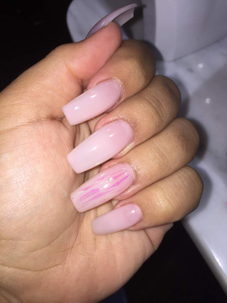 GOT MY NAILS DONE 💅🏽 | ARMY\'s Amino
