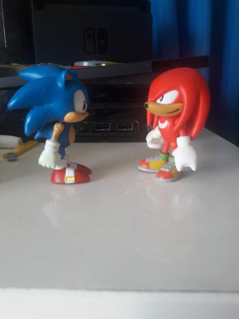 Which Classic Sonic Toy Is Better Sonic The Hedgehog Amino