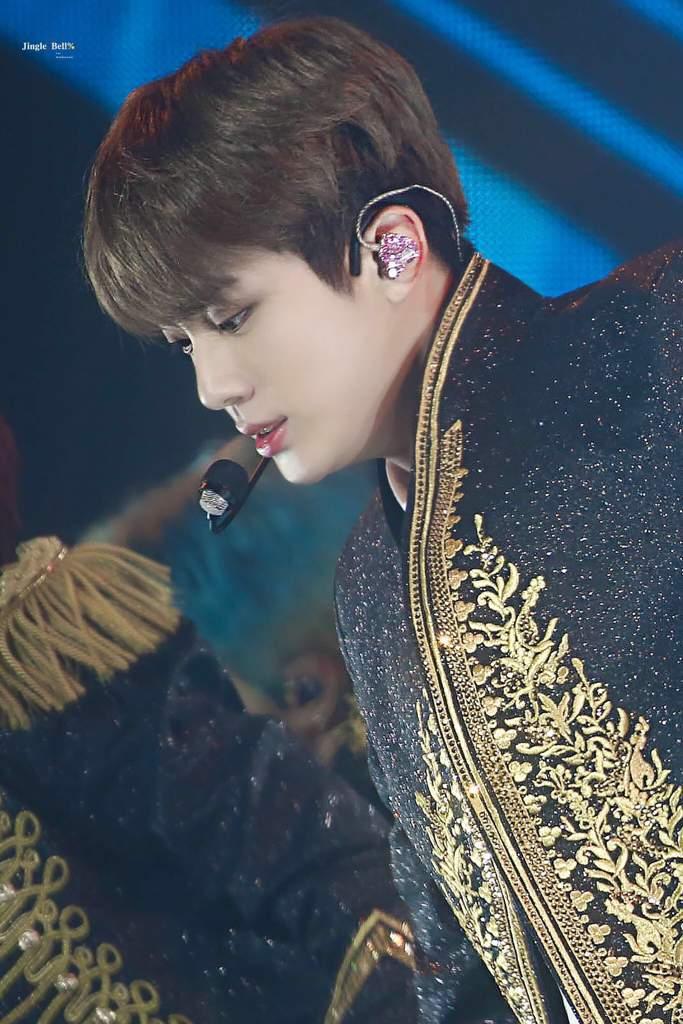 Bts Love Yourself World Tour Jin Kim Seok Jin Amino