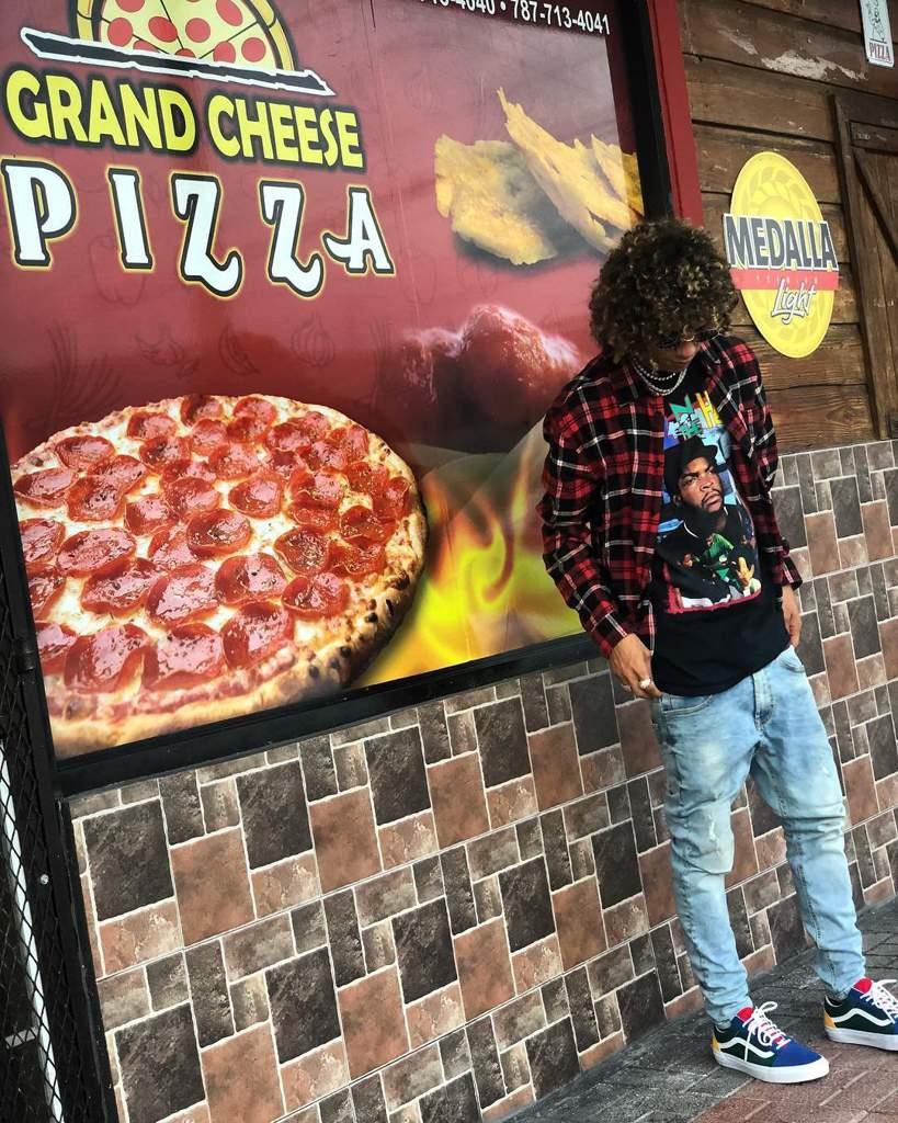 En La Pizzeria Jon Z Amino