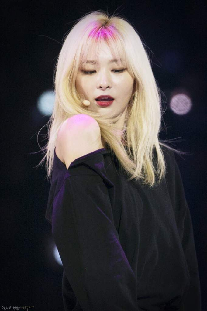 Seulgi + Blonde Hair = Pure Perfection   K-Pop Amino