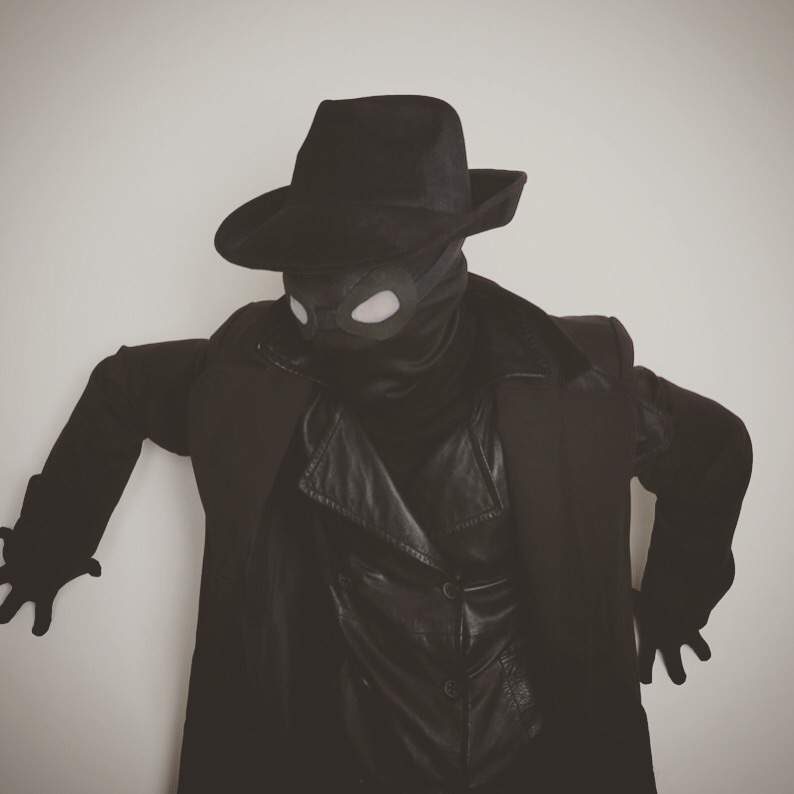 Can You Do Parkour In A Spider Man Noir Costume Marvel Amino