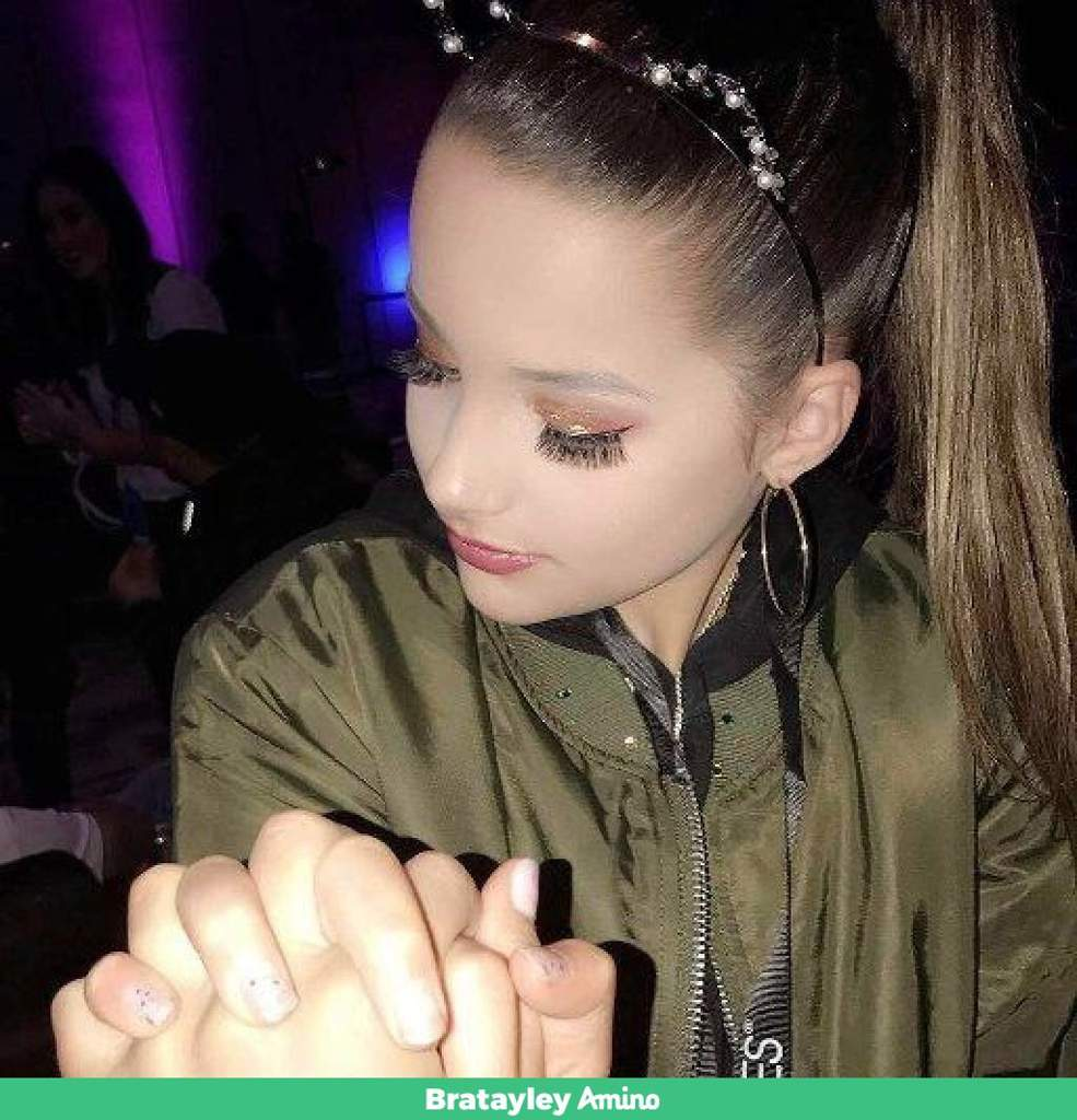 I Love Annie Ponytail And Cat Ears And Her Makeup Bratayley Amino