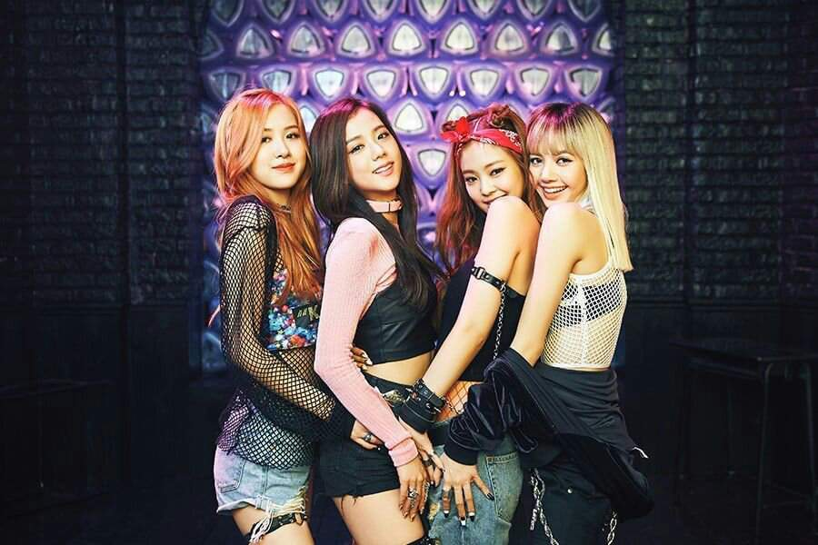"""BLACKPINK s """"BOOMBAYAH"""" Becomes Their 3rd MV To Reach 450 Million ... ef4794f75"""