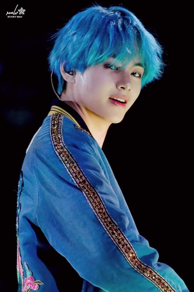 Tae In Blue Hair Btsv Aquablue Army S Amino